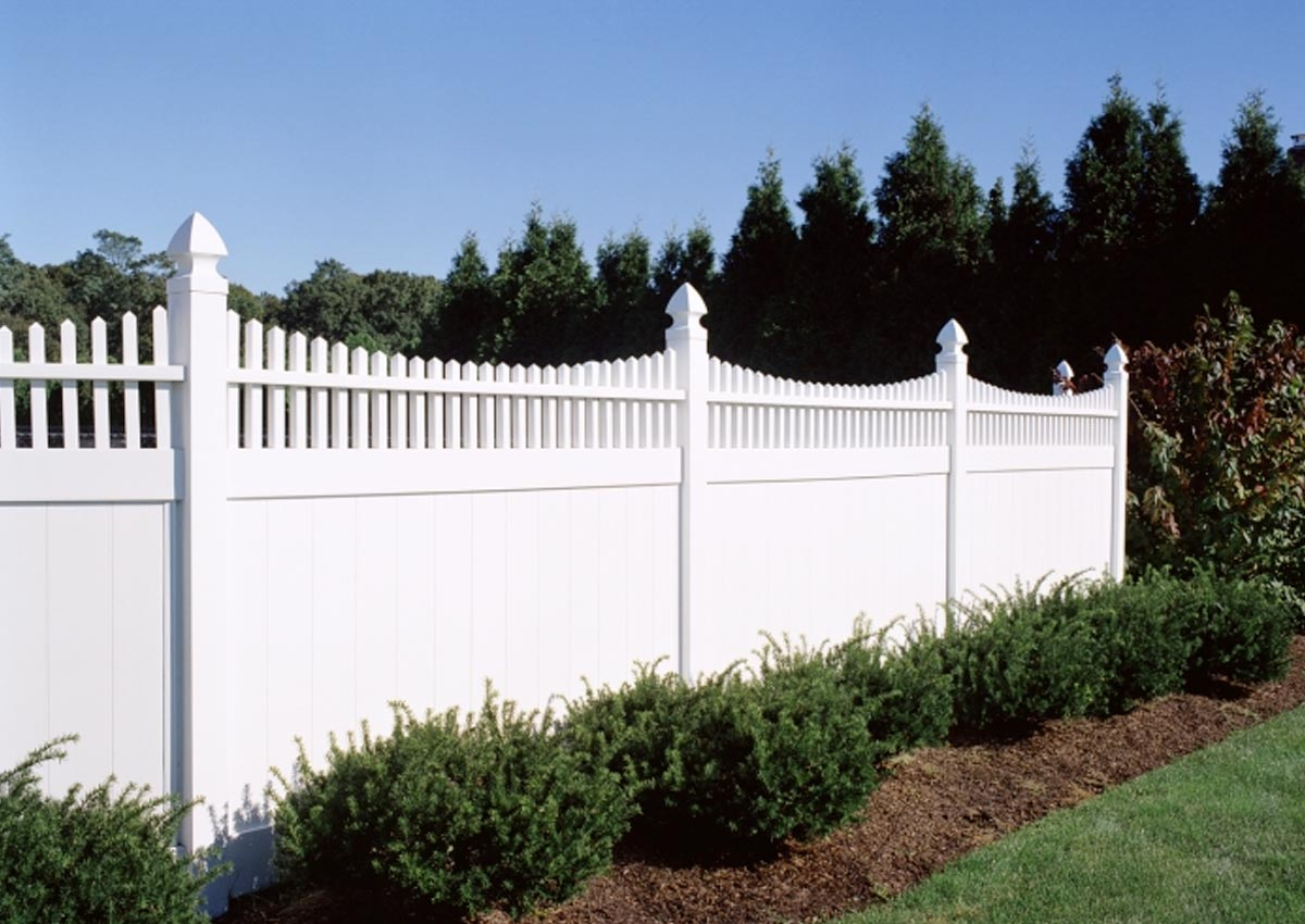 https://www.speedyvinylfencing.com/wp-content/uploads/2019/12/SVF-Family-Owned.jpg